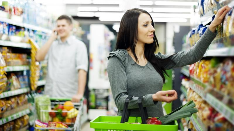 jemanden beim einkaufen kennenlernen
