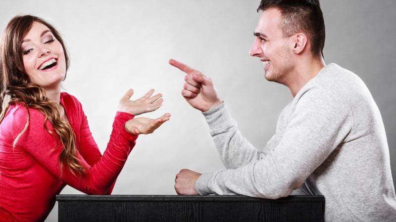 Körpersprache der frauen beim flirten